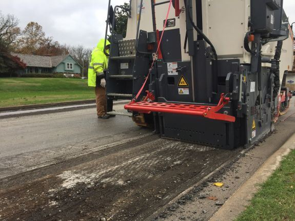 Streets Crew Milling and Overlaying 2